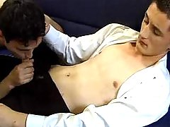 Twink throats his cute boyfriend and makes him cum